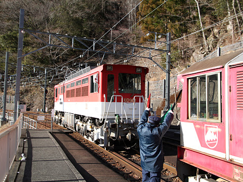 大井川鉄道 井川線 アプト機関車連結作業中
