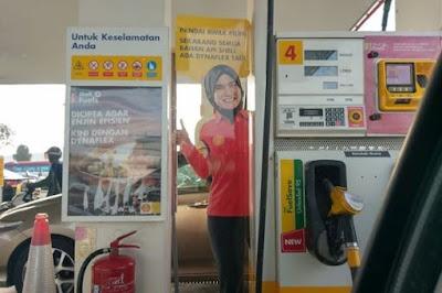 Jangan Salahkan Poster 'Awek Shell'