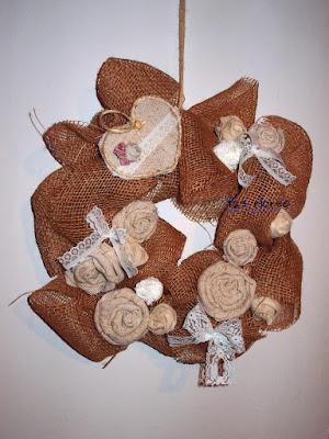 Fuori porta: Corona con fiori in stoffa e cuore di cartone -- come si fa un semplice fiore e un cuore da 123ricreo