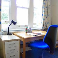 Room V-desk(2)