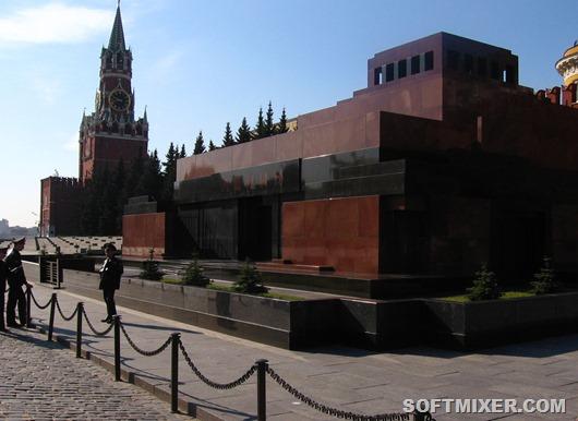 Вид_на_мавзолей_и_Спасскую_башню