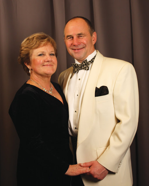 2010 Commodores Ball Portraits - Couple9A.jpg