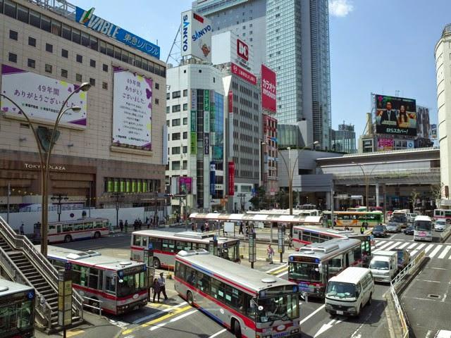 渋谷駅南口のバスロータリー
