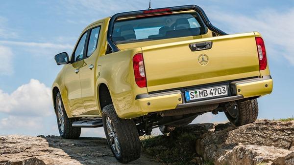 Mercedes-Benz-X-Class-rear