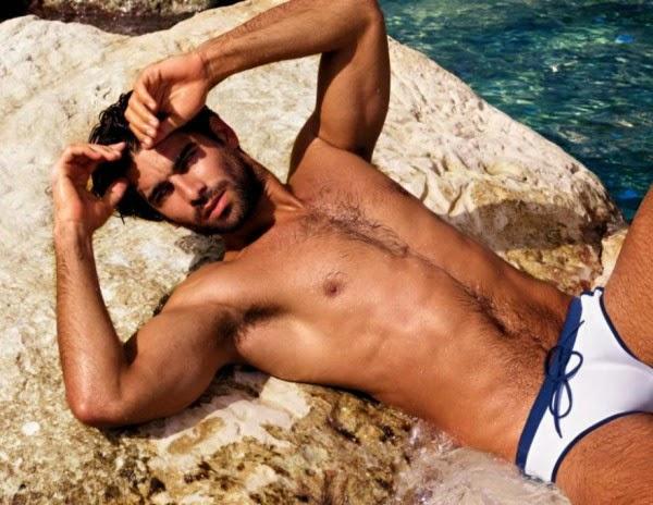 Rubén Cortada desnudo 2