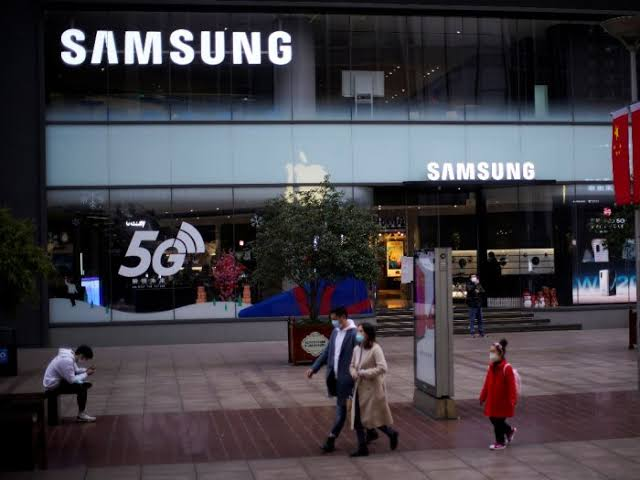 Hiiih. . . Pabrik Samsung di Negeri Ginseng Terserang Virus Corona
