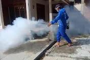 Blusukan Kampung, Relawan Ibas Lakukan Fogging Cegah Demam Berdarah