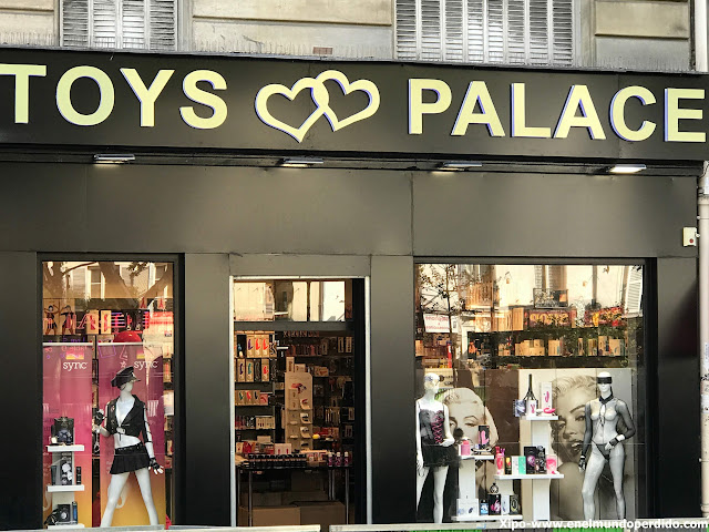 palace-video-amelie-toys-palace.JPG