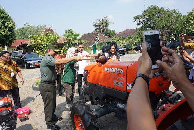 Petani Klaten Dapat Bantuan 342 Unit Alsintan Dari Kementan