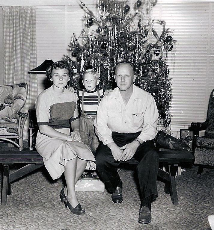 [Christmas+pics+for+2018+-ron+%26+parents%5B4%5D]