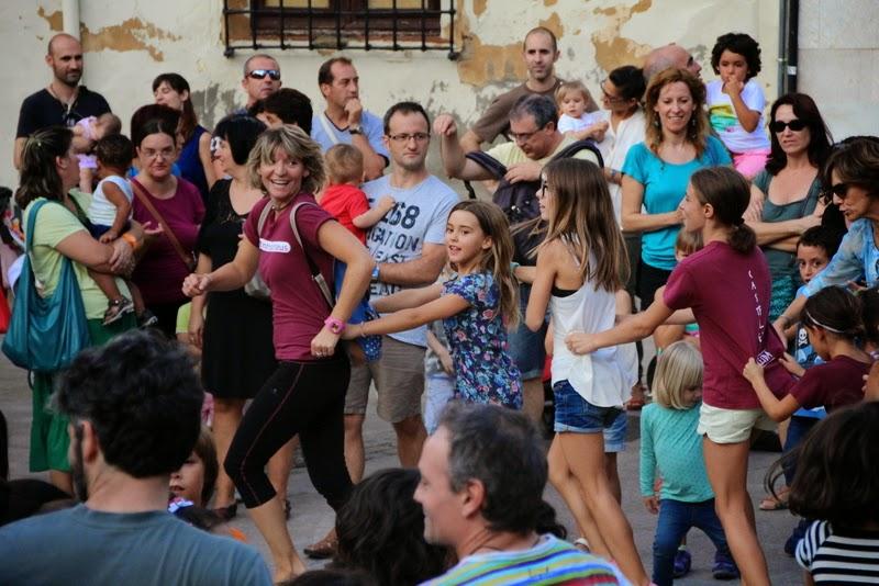 Festa infantil i taller balls tradicionals a Sant Llorenç  20-09-14 - IMG_4372.jpg