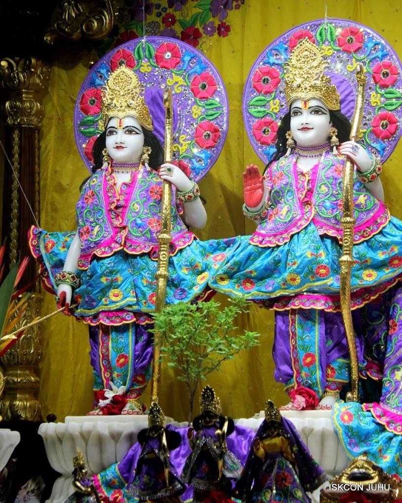 ISKCON Juhu Mangal Deity Darshan on 10th July 2016 (4)