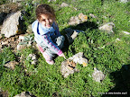 אור, הארכיאולוגית הצעירה מציגה שלל חרסים