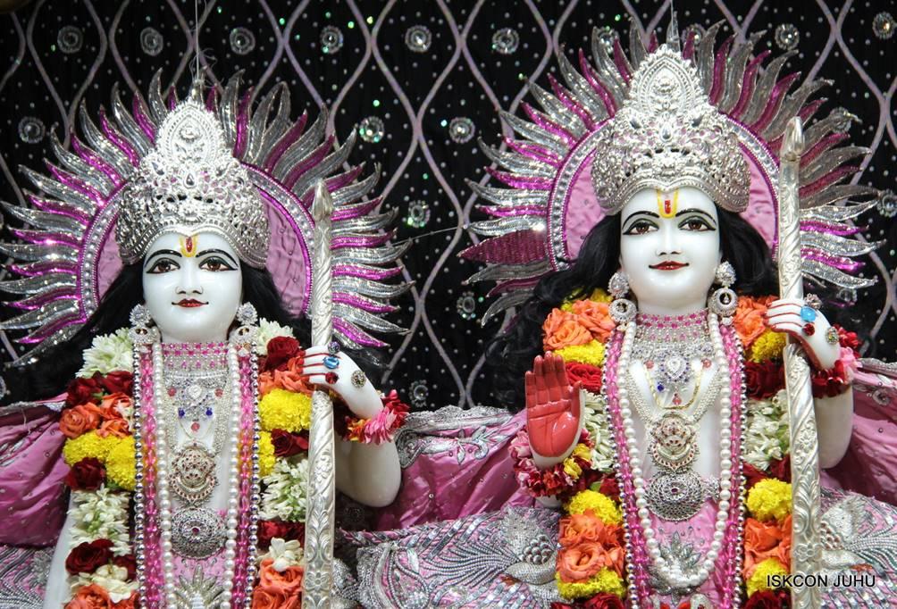 ISKCON Juhu Sringar Deity Darshan 05 Mar 2016 (19)