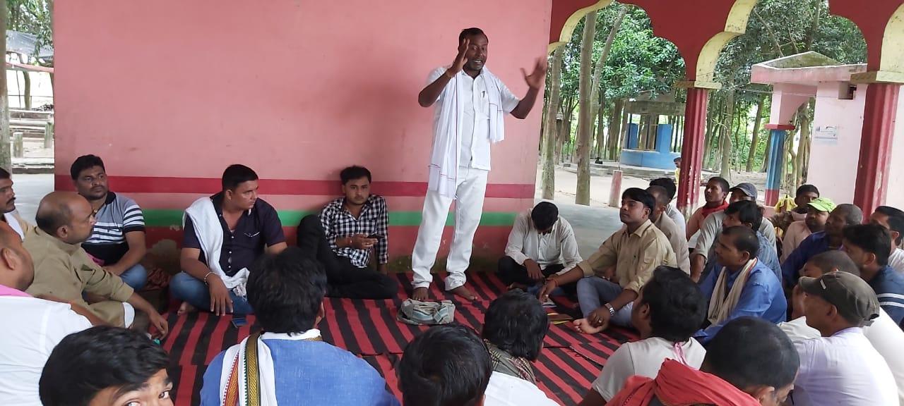 खगड़िया/जन अधिकार पार्टी (लो.) के उम्मीदवार नागेंद्र सिंह त्यागी ने सघन जनसंपर्क कर लोगों से आशीर्वाद लिया