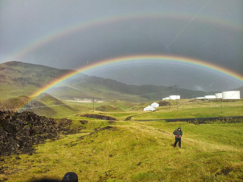 Joonas ja tuplasateenkaari. Hvalfjörður. Sini H