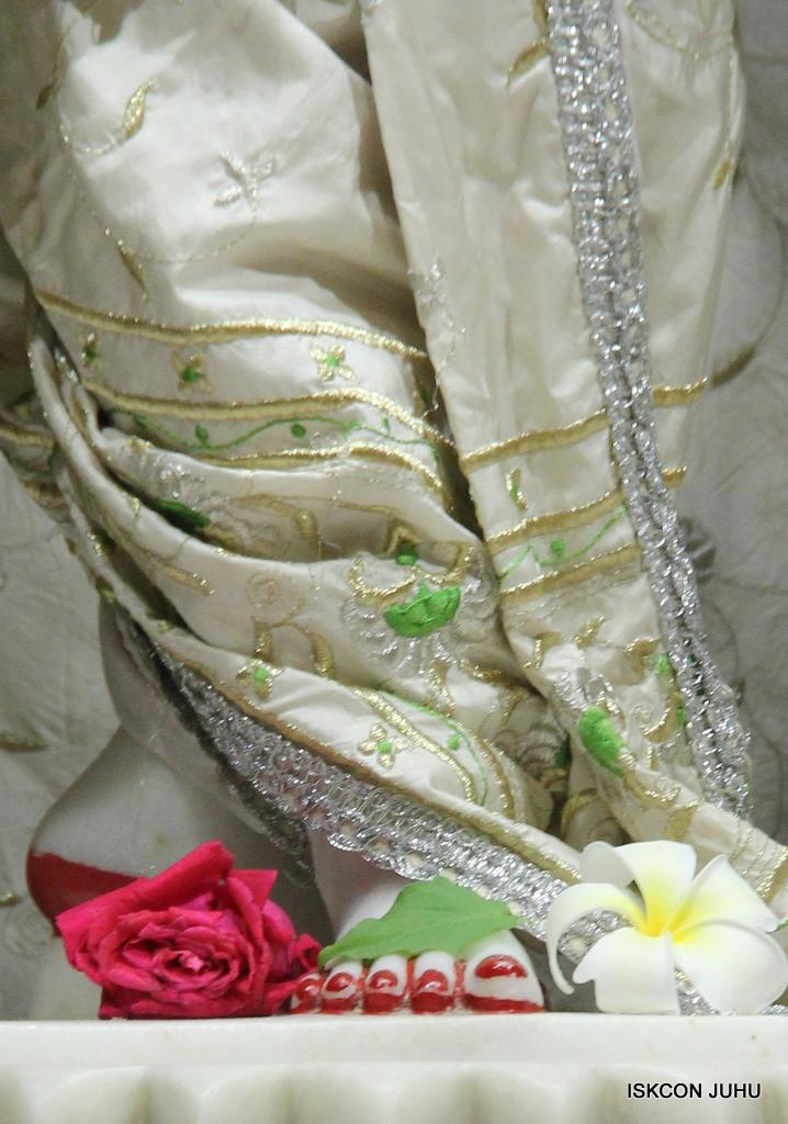 ISKCON Juhu Mangal Deity Darshan on 8th Sep 2016 (41)
