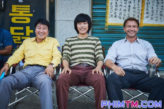 A Taxi Driver - Phim Hàn hot nhất năm đứng đầu 4 tuần liên tiếp, cán mốc 11 triệu vé - Ảnh 2.