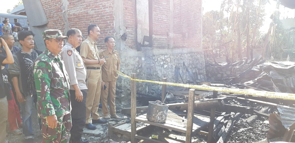 Ini Pesan Wabup Wajo H. Amran, SE Saat Kunjungi Warga Korban Kebakaran di Calodo
