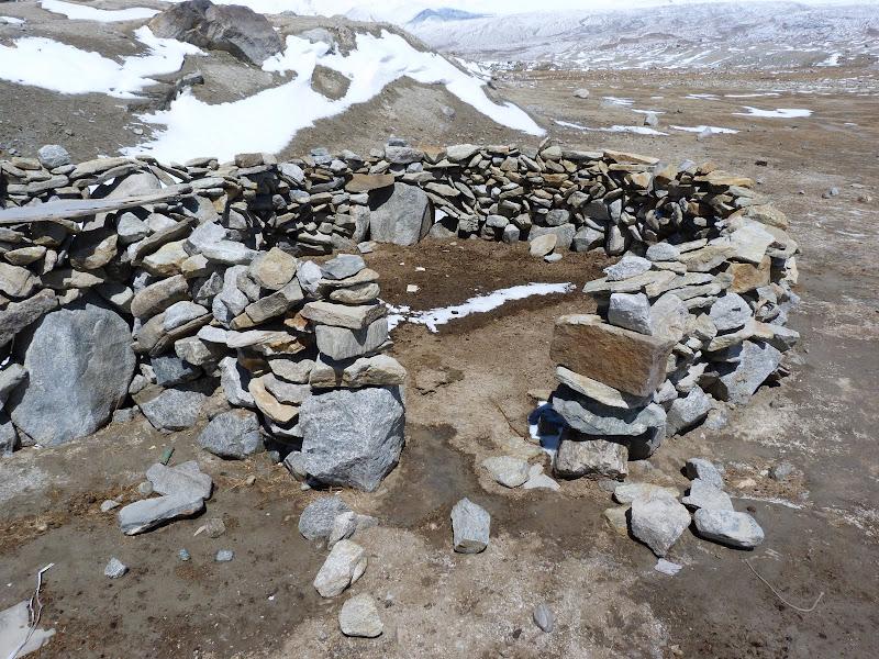 XINJIANG. Karakoram Highway, lune des plus haute route au monde, en passant a 4400 m - P1280520.JPG