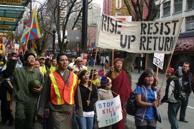 Global Protest in Vancouver BC/photo by Crazy Yak - IMG_0185.JPG