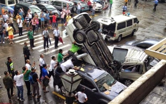 Car Plunges From 3rd Floor Greenhills Mall Parking