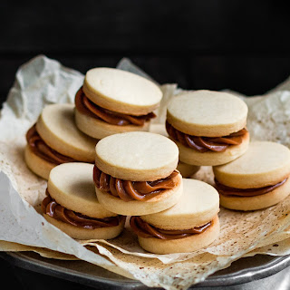 Eggless Dulce De Leche Shortbread Sandwich Cookies Recipe