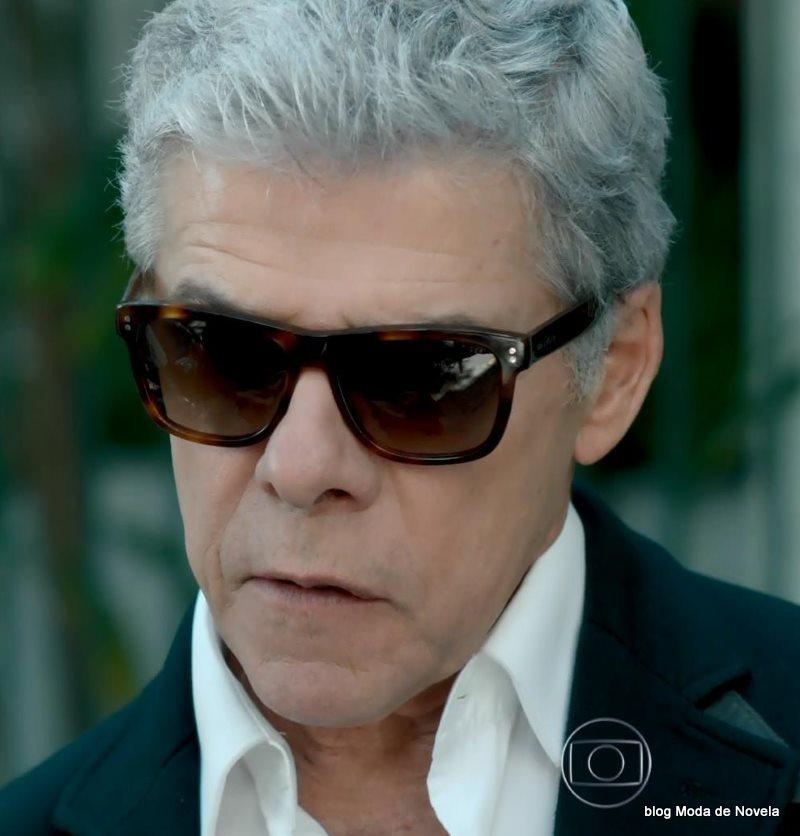 moda da novela Império - óculos de sol do Cláudio dia 29 de agosto