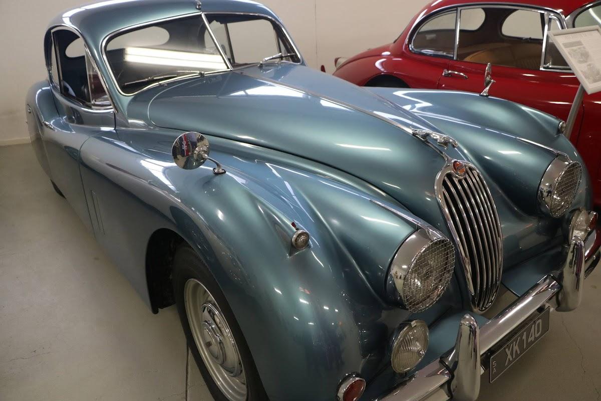 Carl_Lindner_Collection - 1953 Jaguar XK140 Coupe 07.jpg