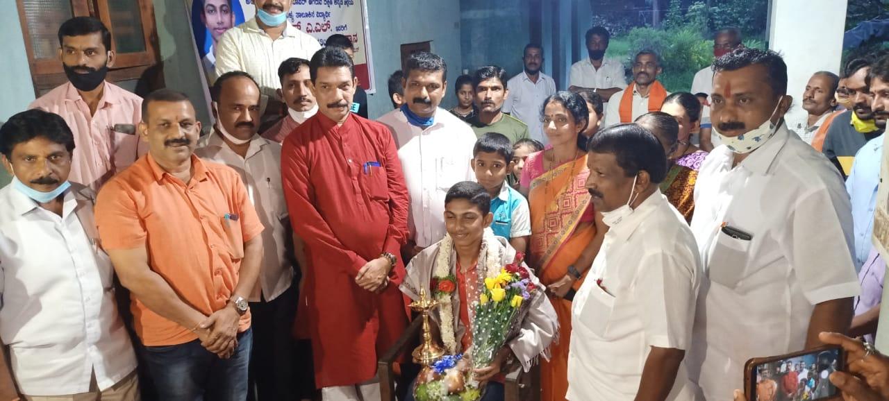 SSLC ಟಾಪರ್ ಗೆ ಬಿಜೆಪಿ ರಾಜ್ಯಾಧ್ಯಕ್ಷ ಅಭಿನಂದನೆ