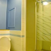 Room 40-bathroom