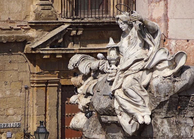 Estatua, Triunfo San Rafael, Plaza del Triunfo, Mezquita Catedral, Córdoba, Mirador, Puerta del Puente