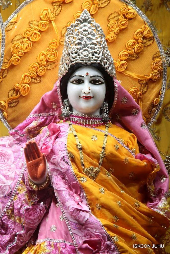 ISKCON Juhu Mangal Deity Darshan on 30th June 2016 (25)