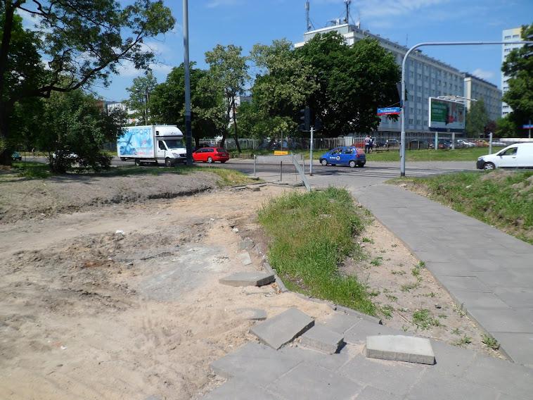 Skrzyżowanie al. Politechniki i ul. Wróblewskiego - jedno z niewielu niedokończonych miejsc