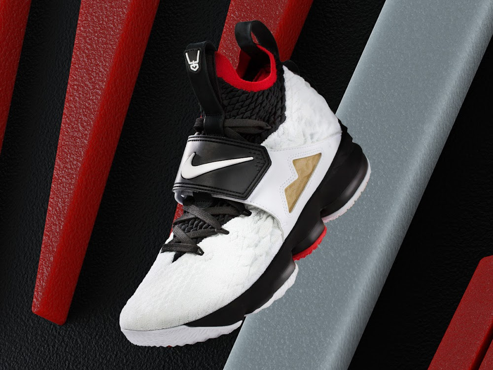 pretty nice 1dd04 cdafa LeBron Watch Vol. 2 – Nike LeBron 15 x Deion Sanders | NIKE ...
