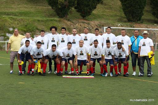 autor: camilo torres 18/6/11 homenaje a Hernán de su equipo
