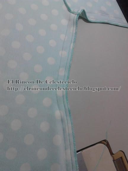Haciendo ajustes a la prenda en las costuras a los costados
