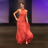 – UNIVERSE VERSE UNI -střih bezezbytku - společenský oděv, material - hedvábí, ručně barvené - orientační cena 7.000,-Kč