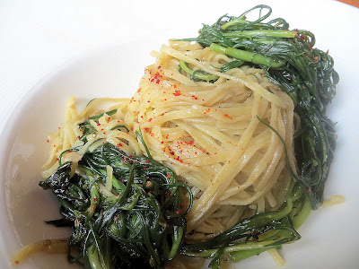 Accanto: capellini with samphire, garlic, chili, and fennel seed