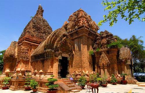 Địa điểm tham quan du lịch nổi tiếng tại Bình Thuận