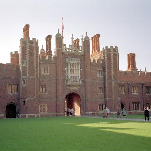 Hampton_Court_03.jpg