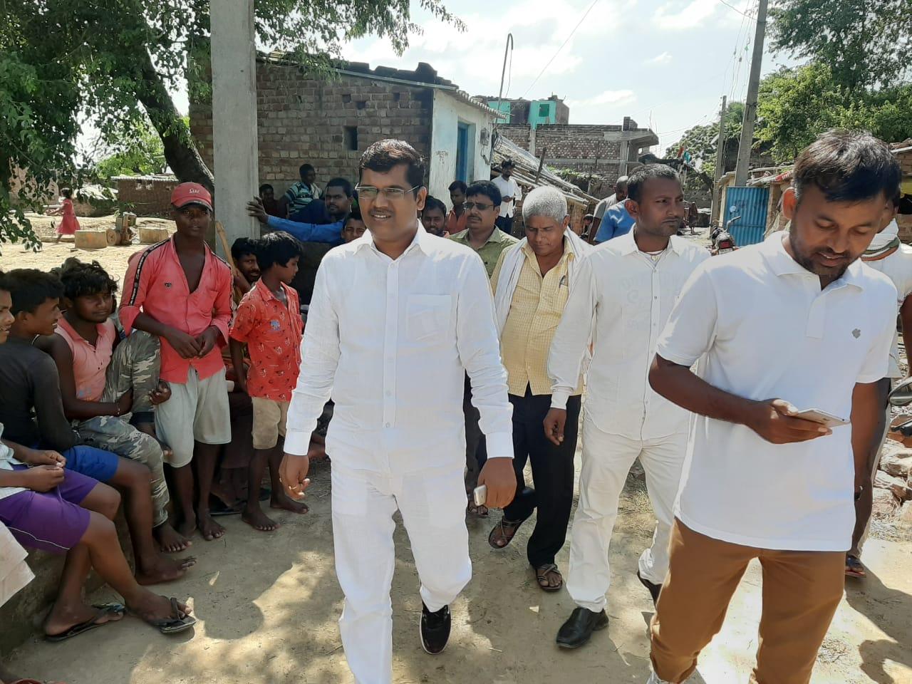 शेखपुरा विधानसभा क्षेत्र के घाट कुसुमभा प्रखंड के विभिन्न गांवों में पप्पू चौहान ने चलाया जनसंपर्क अभियान