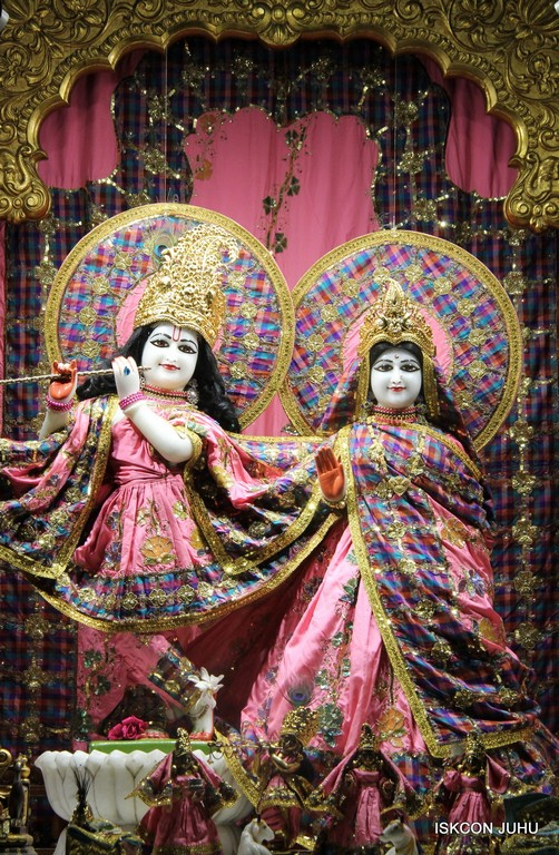 ISKCON Juhu Mangala Deity Darshan 09 April 2016 (53)