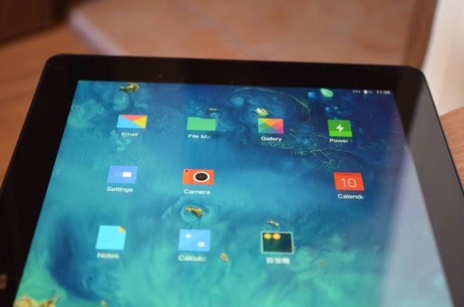 Cube i7 Remix có màn hình lón