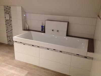 wir bauen unser h uschen mit heinz von heiden badezimmer gefliest. Black Bedroom Furniture Sets. Home Design Ideas