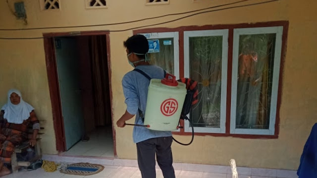 IMASINTOGA Gelar Aksi Semprotan Desinfektan di Kecamatan Sintoga.