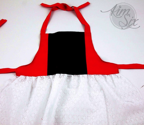 Lace apron for costume