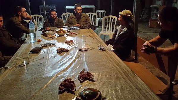 מסיבת פרידה מהחיילים בבית חגלה על פני יריחו