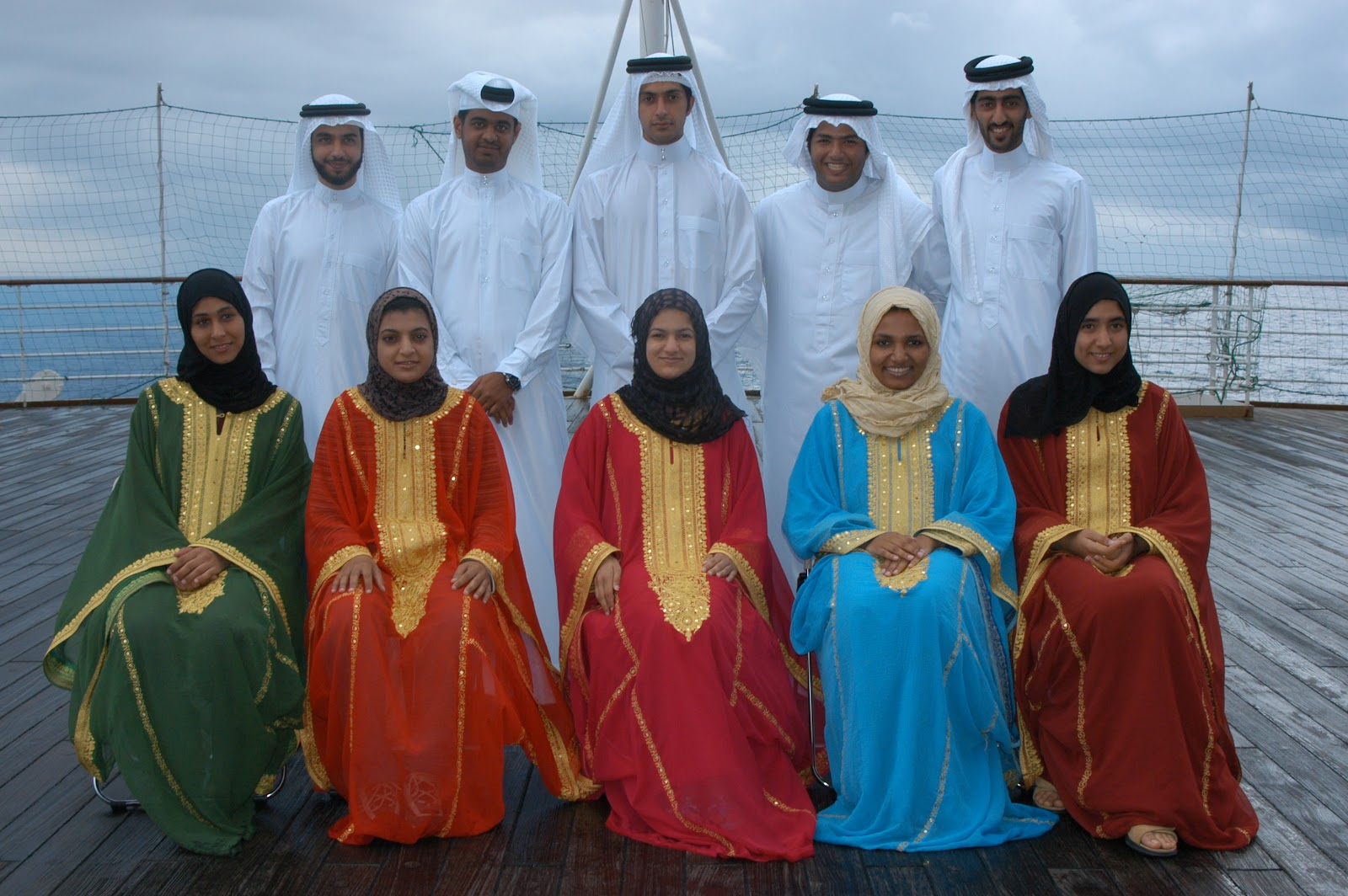 Bahrain - Students aboard World Youth Ship  (photo-shipforworldyouth.org)