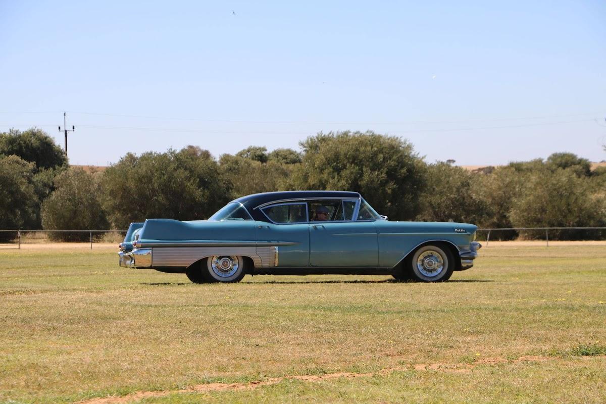 Cadillac (08).jpg
